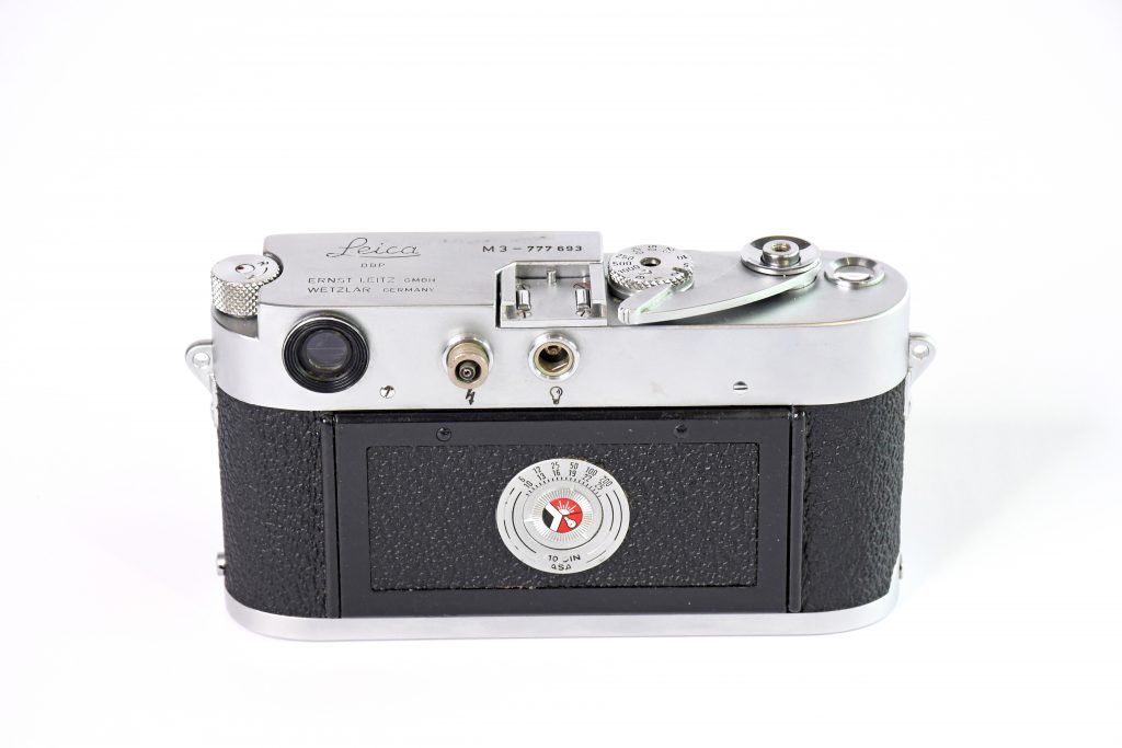 Back view of Leica M3